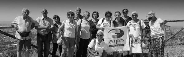 Immagine di copertina per Attività educative in Italia con volontari Aifo riuniti. foto in bianco e nero