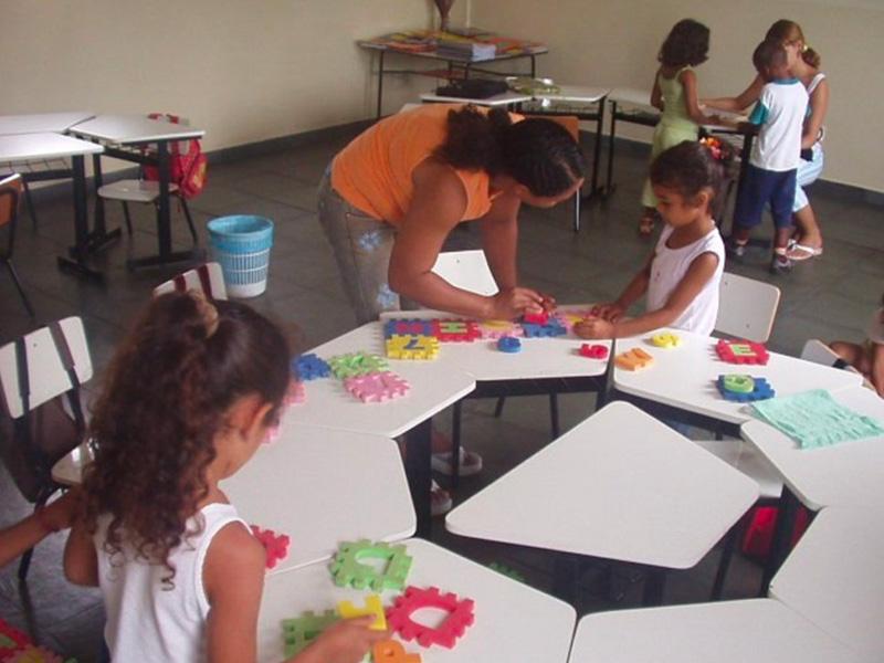 Bambini a scuola nel progetto Goias Velho