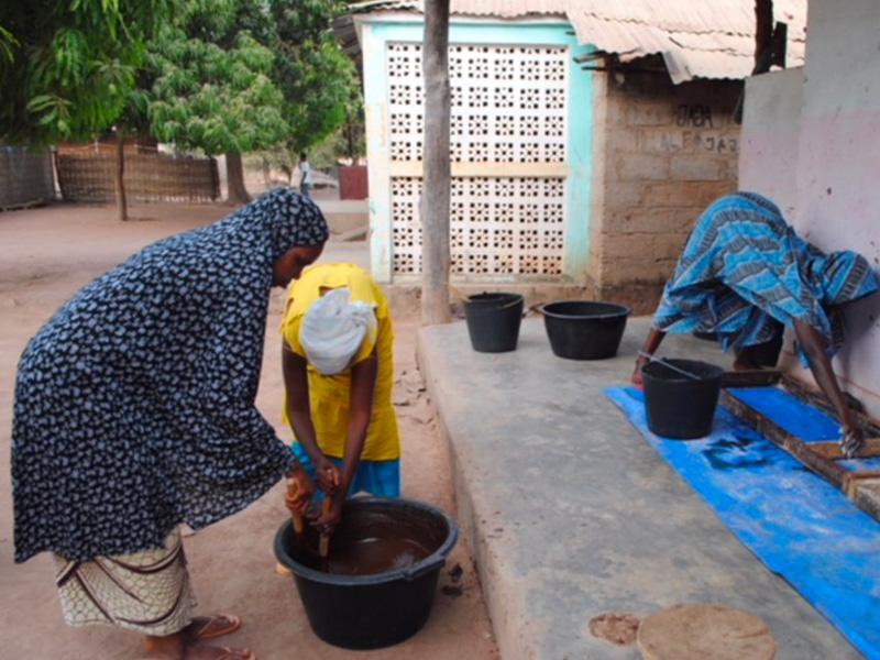 Donne che lavorano nel progetto a Kuida