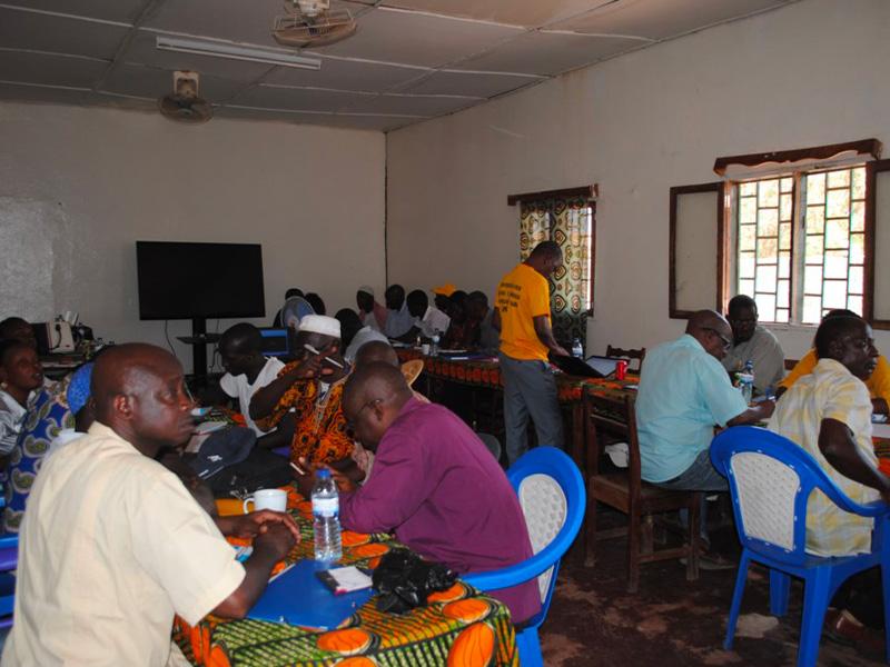 Persone riunite nel progetto a Kuida
