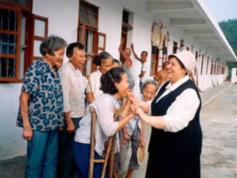 Anziane riunite nel progetto in Yunnan