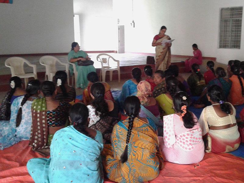 Donne riunite ad Assam